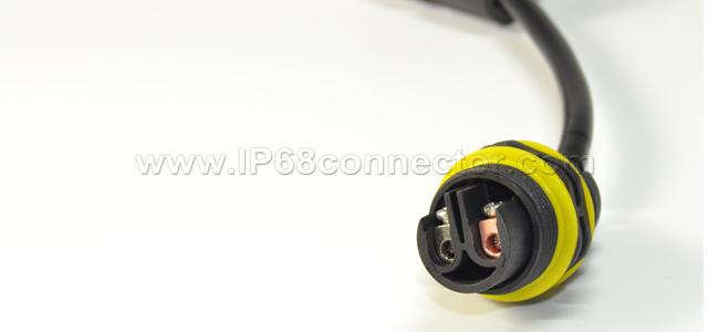 ST-06-IP68-Waterproof-Connector-–-Screw-Type-02